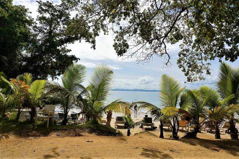 Plaża hotelu Grand Bahia Grand Cayacoa